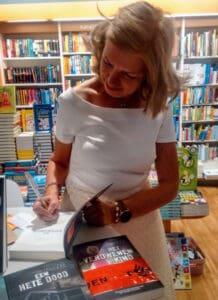 Esther Vermeulen signeert Het KattenPension